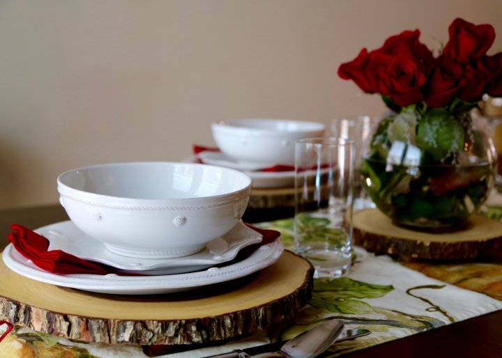 Host Fall in Love with a Simple Tablescape